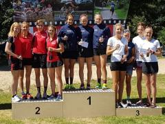 42 2. Liga Verl Siegerehrung TuS Damen ganz links